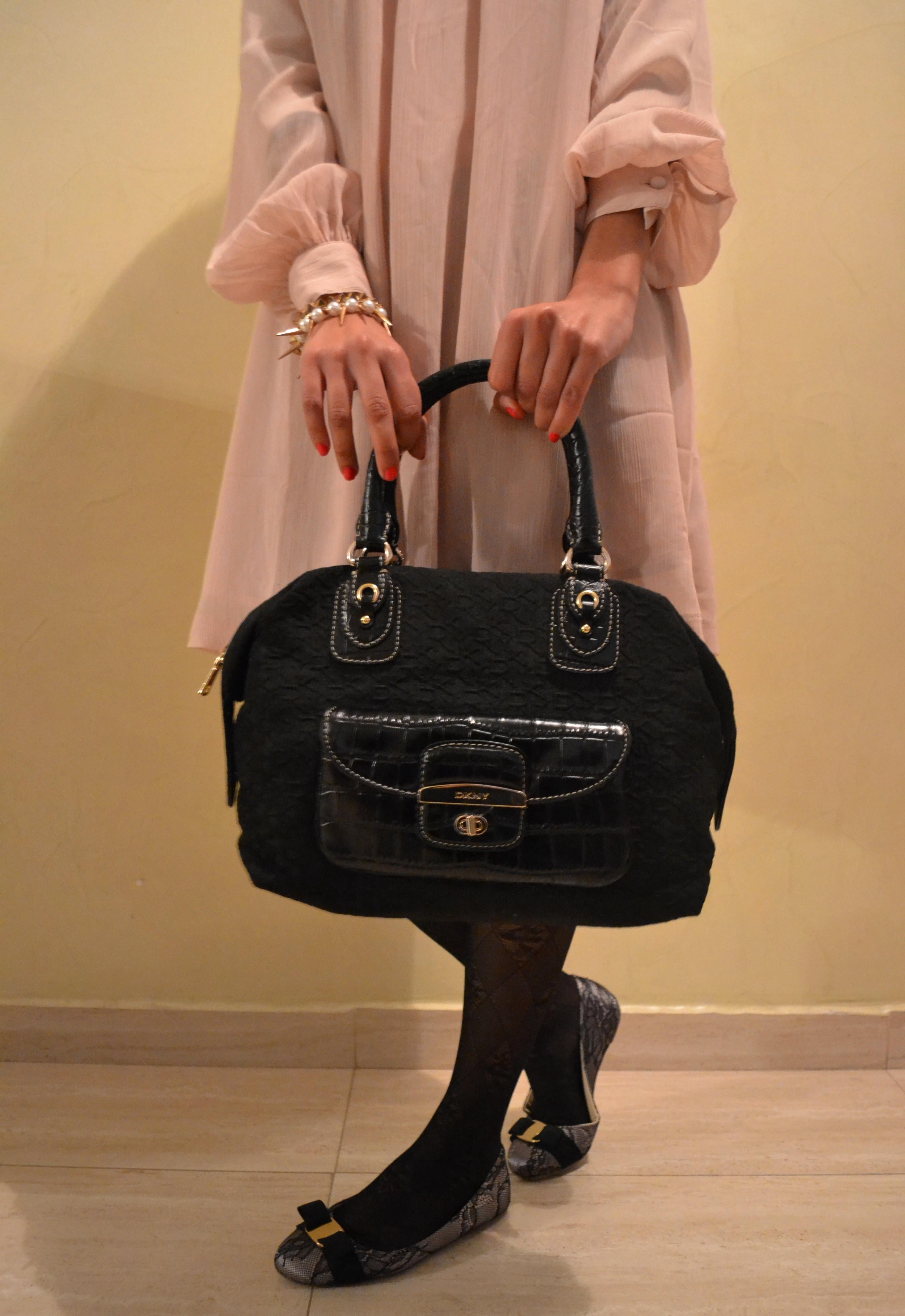 4f6dbfcfe8c Robe H M Trench  Pull and Bear Ballerines  Vincci Shoes Bag  Calvin Klein  Bracelets  Stradivarius ...